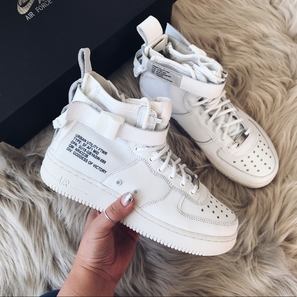 pretty nice 59d96 92ef6 Nike air force 1 low mid sneakers off white NWT